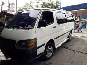 2003 Toyota Hiace commuter FOR SALE