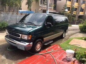 Ford E150 2002 model chateau Matic FOR SALE