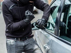 6 essential tips to keep your car safe from thieves this Christmas