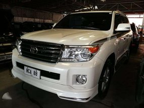 2014 Toyota Land Cruiser LC200 White Pearl color