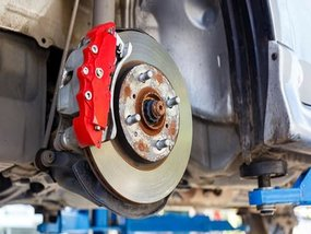 6 signs showing that your car's brake system needs maintenance