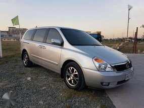 2014 Kia Carnival ex automatic transmission bank financing ok