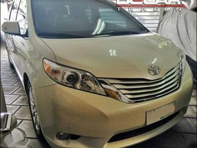 2014 Toyota Sienna Limited 5t Kms only