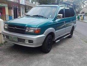 Selling Toyota Revo sports runner 2000