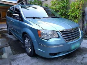 FOR SALE: 2009 Chrysler Town and Country AT
