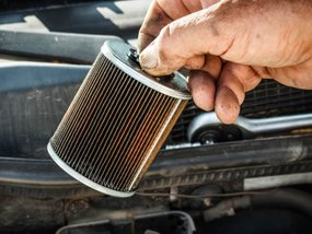 9 steps to replace fuel filter on car