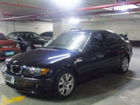 2004 BMW 318i Dark Blue Sedan Very Low Mileage Pristine Condition