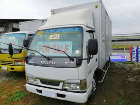 2016 Isuzu 4hl1 14ft NkR Closed Van Elf for sale