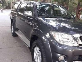 FOR SALE: Toyota Hilux 2.7G 2011