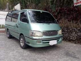 2000  Toyota Hiace commuter van. Diesel manual. FOR SALE