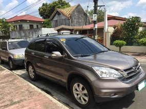 Selling my 2 2011 HONDA CRVs for the price of 1 Innova