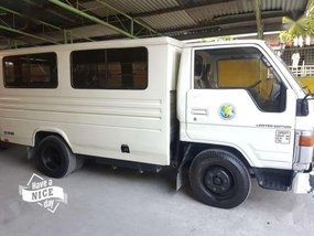 For sale Toyata HIACE fb van 10 seater double tire 1999
