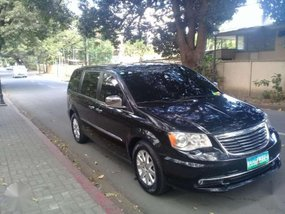 2012 Chyrysler Town and Country minivan 3.6l v6 gas limited