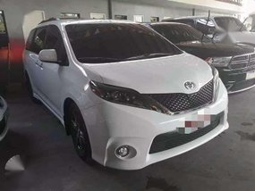 A/T Toyota Sienna se FOR SALE