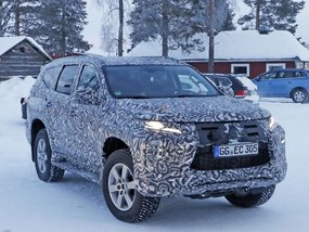 Mitsubishi Montero Sport 2019 Facelift caught in Northern Sweden