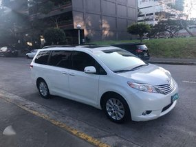 2014 Toyota Sienna Limited Pearl white - Original paint