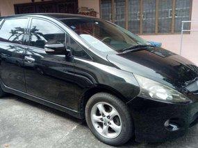 2005 Mitsubishi Grandis automatic seven seater minivan