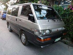 Mitsubishi L300 Exceed Gas Silver Two tone manual 1998model