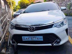 2018 Toyota Camry 2.5V 1st owner White pearl