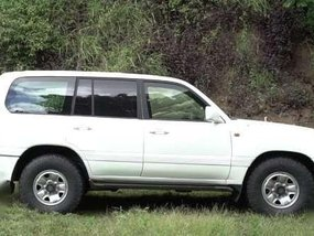 2001 BULLETPROOF (Level BR6) Toyota Land Cruiser - 3.9M (Neg)