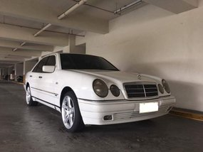 For sale Mercedes-Benz E240 White 2000