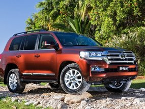 Brand New 2019 Toyota Land Cruiser for sale in Pila