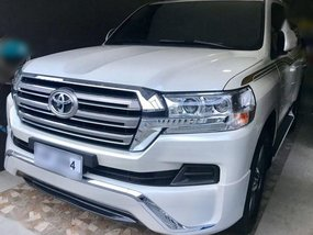 Toyota LAND CRUISER VX 200 Dubai AT 2017