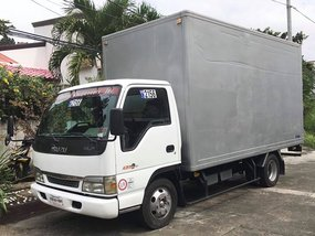 Selling White Isuzu Elf 2018 Manual Diesel