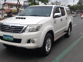 Selling 2nd Hand (Used) Toyota Hilux 2014 in Quezon City