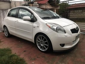 Sell White 2008 Toyota Yaris in San Fernando