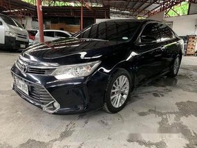 Selling Black 2015 Toyota Camry at 42000 km
