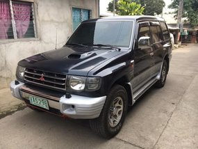 Selling Black Mitsubishi Pajero 1999 at 132000 km