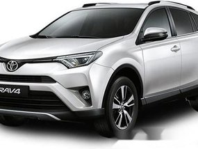Selling White Toyota Rav4 2019 Automatic Gasoline