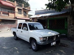 Selling Toyota Hilux 1999 Manual Diesel in Rodriguez