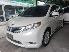 Selling 2nd Hand Toyota Sienna 2015 Automatic Gasoline at 20000 km in Quezon City