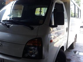 Selling 2nd Hand Hyundai H-100 2014 in Quezon City