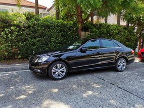 Sell Black 2009 Mercedes-Benz 300 at 30000 km in Quezon City