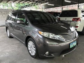 Sell Grey 2013 Toyota Sienna at Automatic Gasoline at 22000 km in Quezon City