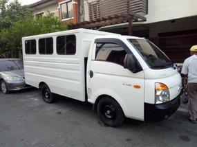 Sell 2nd Hand 2010 Hyundai H-100 at 70000 km in Pasig
