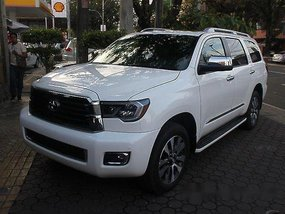 Selling White Toyota Sequoia 2018 for sale
