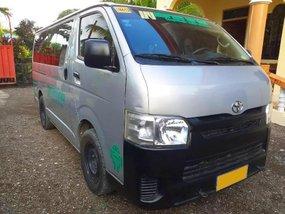 Selling 2nd Hand Toyota Hiace 2017 Manual Diesel at 120503 km in Esperanza