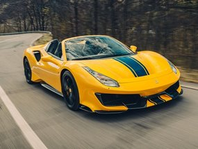 Ferrari 488 Pista Spider caught on Manila roads