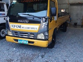 2nd Hand Isuzu Elf 2010 Manual Diesel for sale in Lipa