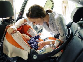 A step-by-step guide to install different car seats for children