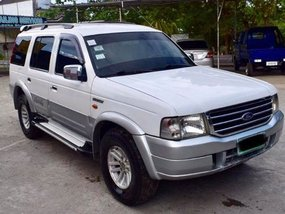 Selling Used Ford Everest 2005 at 45000 km in Sasmuan