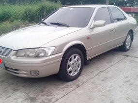 Sell 2nd Hand Beige 2002 Toyota Camry in Pasig