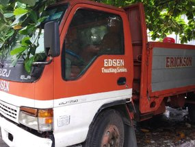 Selling 2nd Hand Isuzu Elf 2002 Diesel Automatic