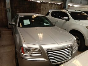 Selling 2013 Chrysler 300c in Quezon City