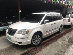 Sell White 2010 Chrysler Town And Country at Automatic Diesel at 35000 km