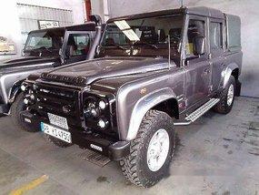 Selling Grey Land Rover Defender 2005 at 61358 km